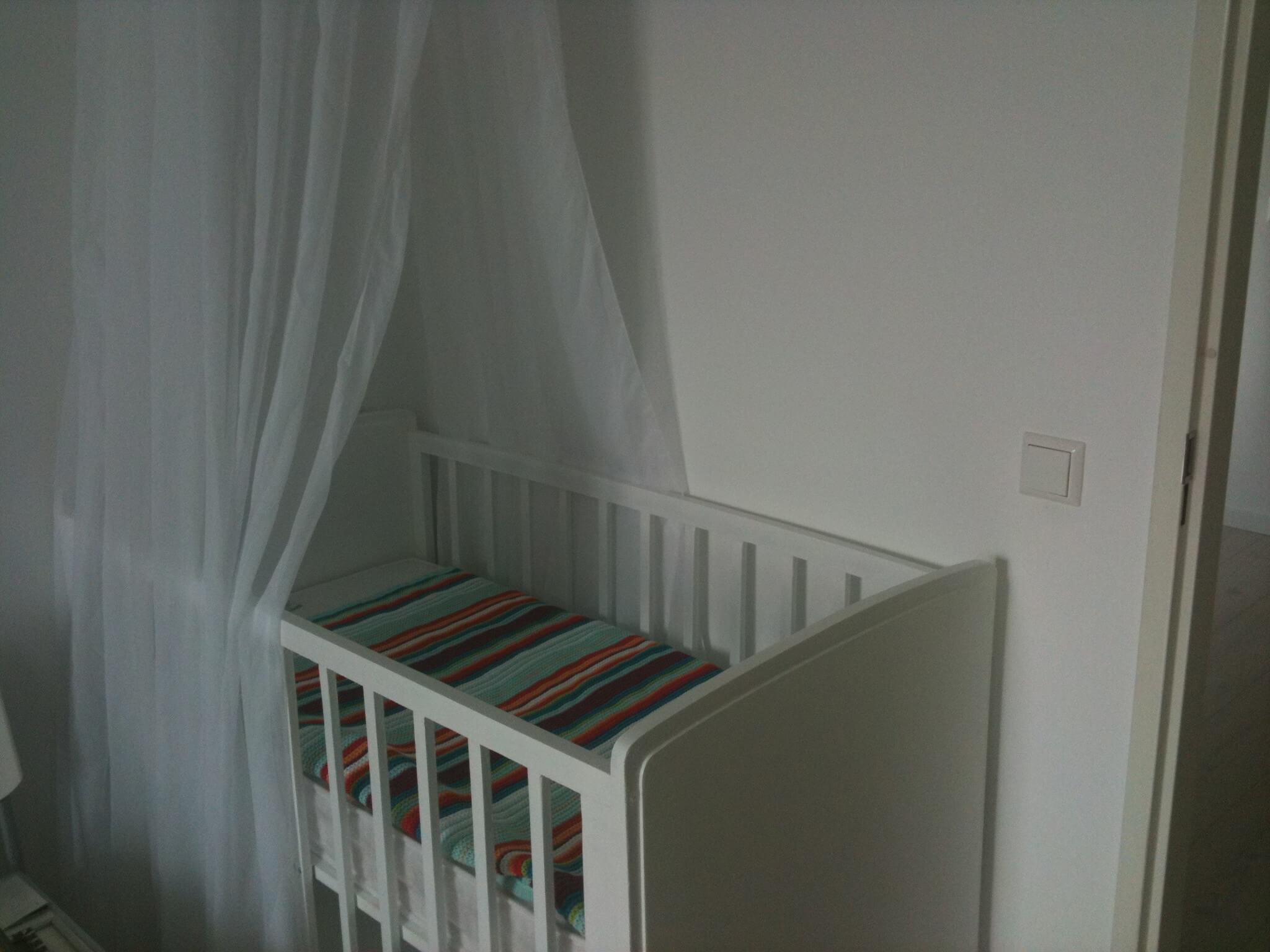 Gordijnen Babykamer Geel : Babykamer en kinderkamer in wit petrol turkoois grijsblauw mint