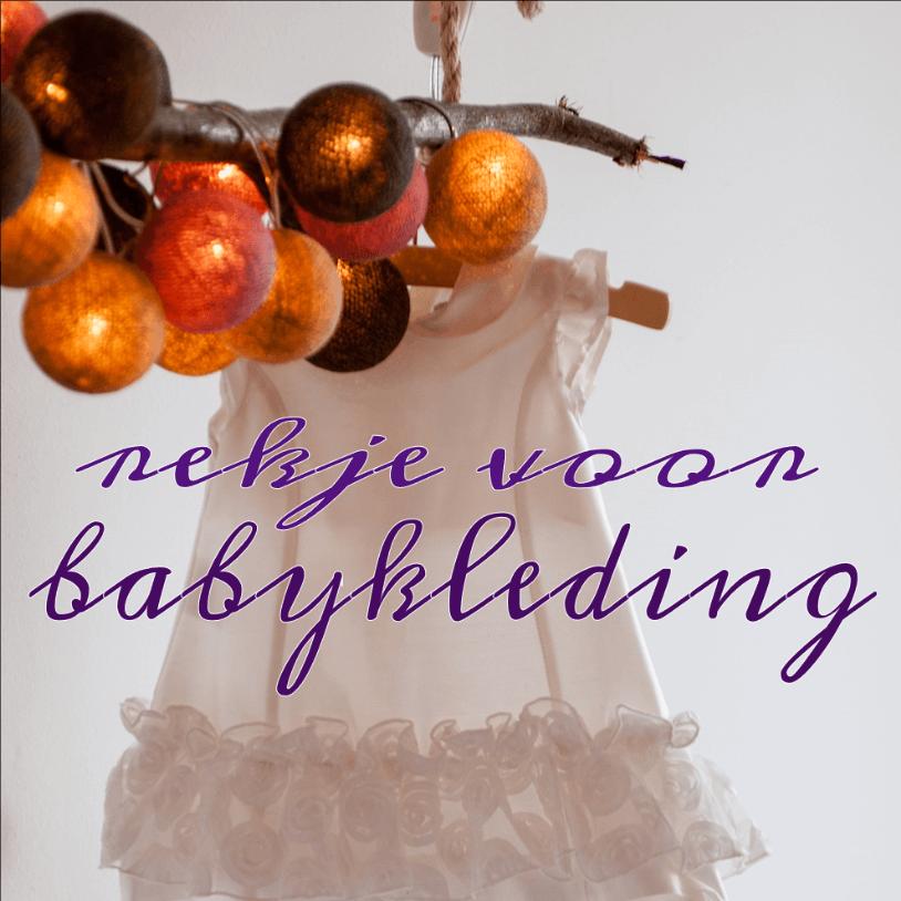Handig voor op de kinderkamer: een rekje voor de babykleding