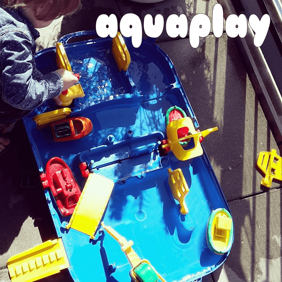 Wat een leuk waterspeelgoed is dat Aquaplay