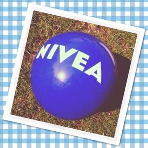 Puur jeugdsentiment: de blauwe strandbal