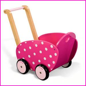 poppenwagen Janod Verjaardagscadeau voor kids van 2 jaar of 3 jaar: leuke cadeau tips voor peuters