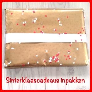 Sinterklaascadeaus inpakken