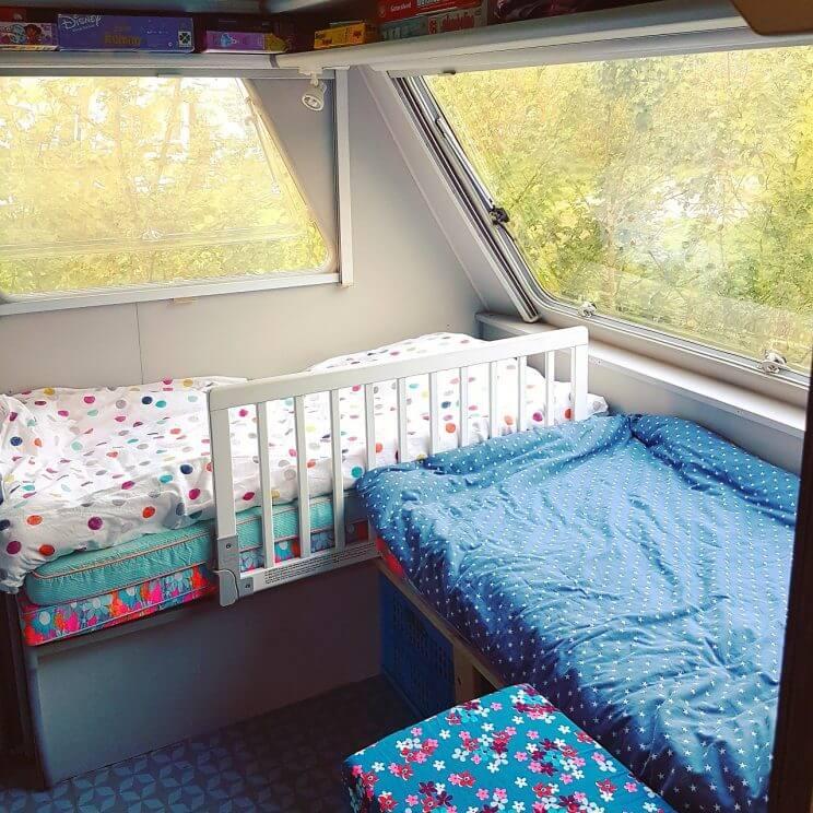 Zomerhuis op wielen de 10 leukste ideeën om een caravan te pimpen - kinderbed inbouwen - vintage retro caravan trailer diy camper Beyerland