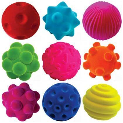 De leukste kraamcadeaus voor de geboorte van een baby - rubbabu rubberen bal