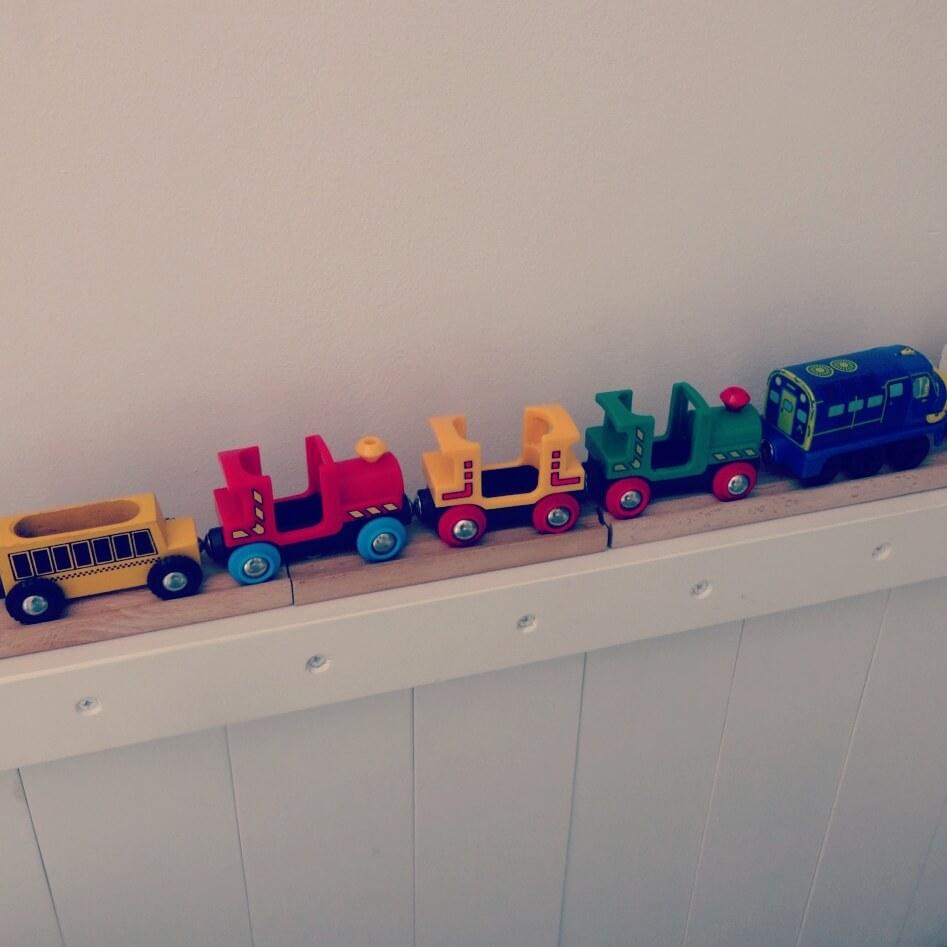 Jongenskamer voor een treinen-fan