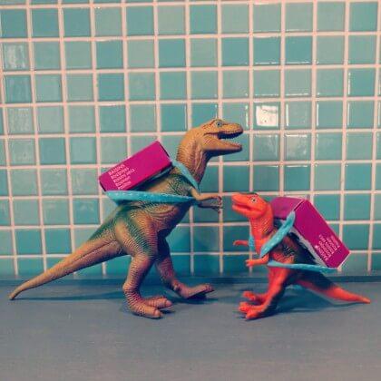 Traktatie voor school dinosaurus met rozijnen-rugzakje