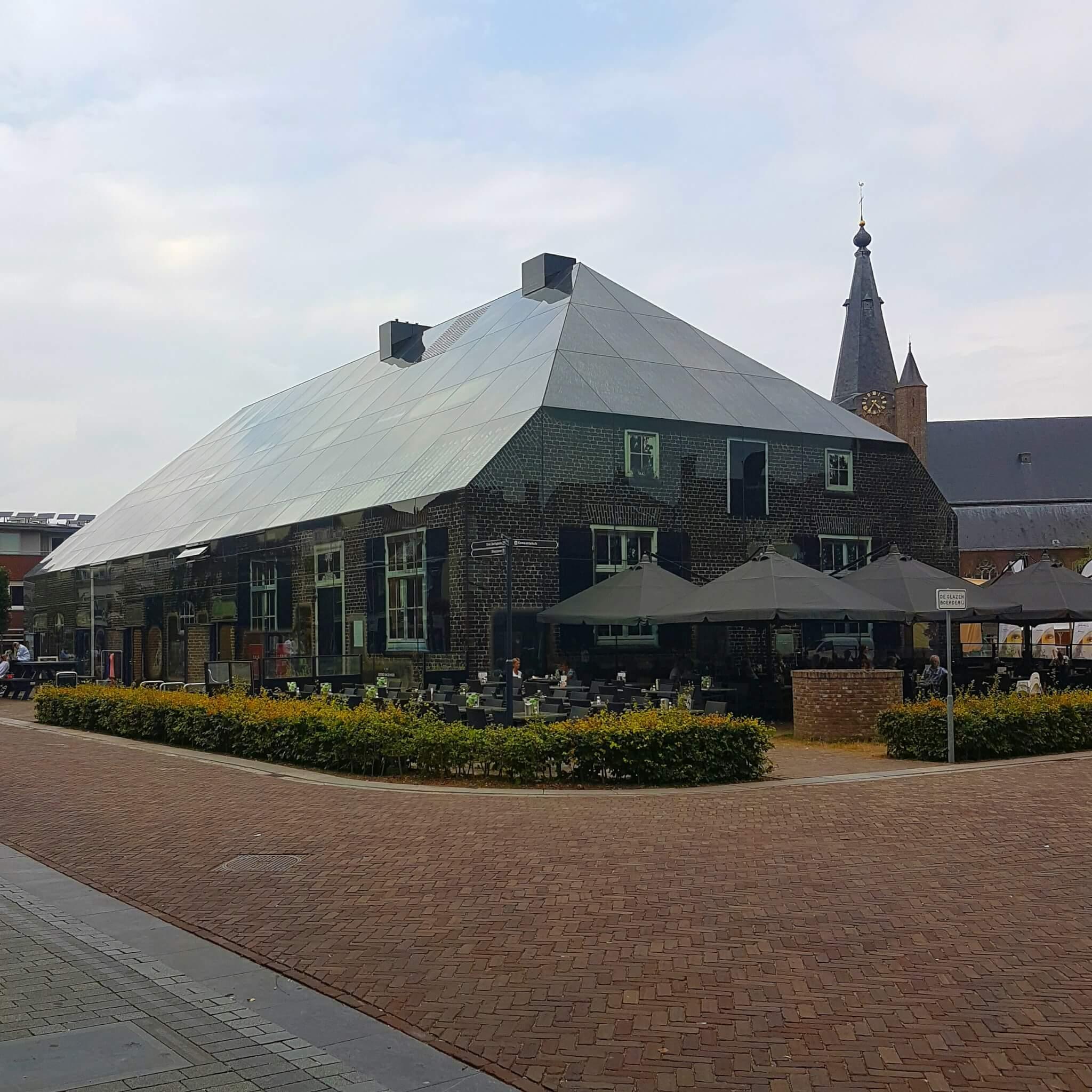Le Verre, De Glazenboerderij in Schijndel