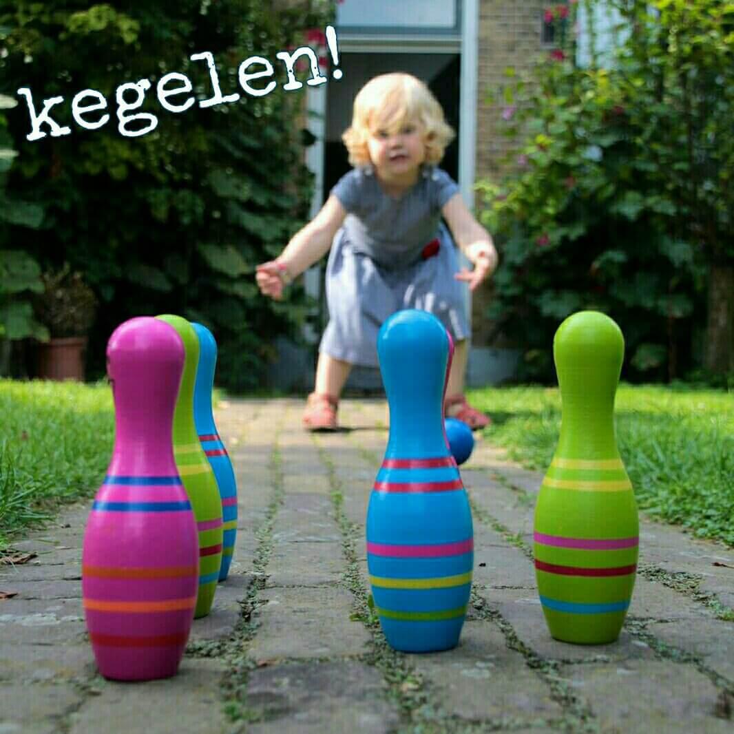 mooie-nostalgische-houten-kegelset-om-buiten-of-binnen-mee-te-spelen.jpg.jpg