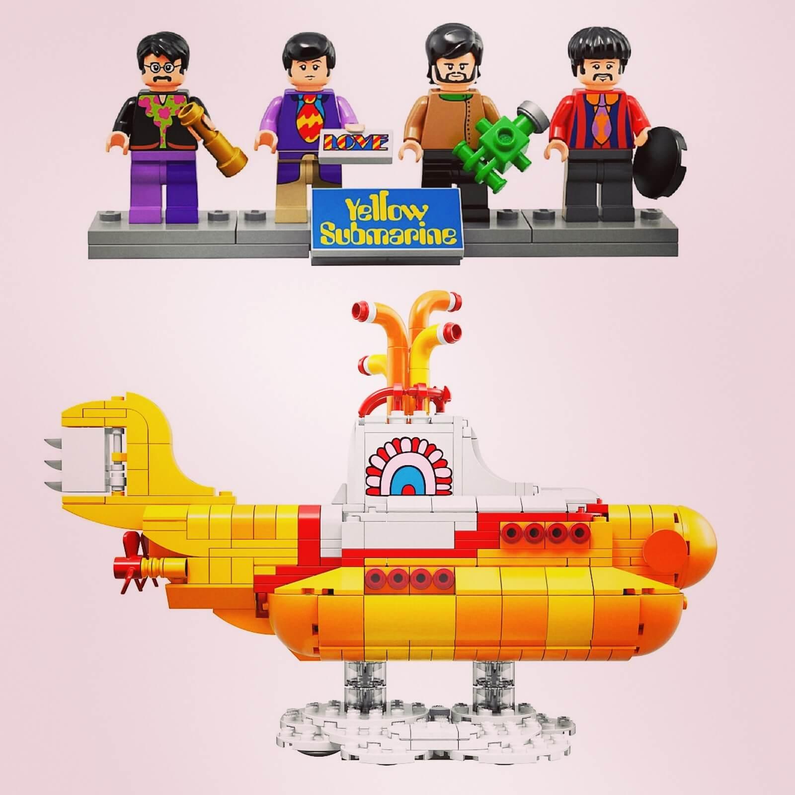De Lego versie van de Yellow Submarine van de Beatles