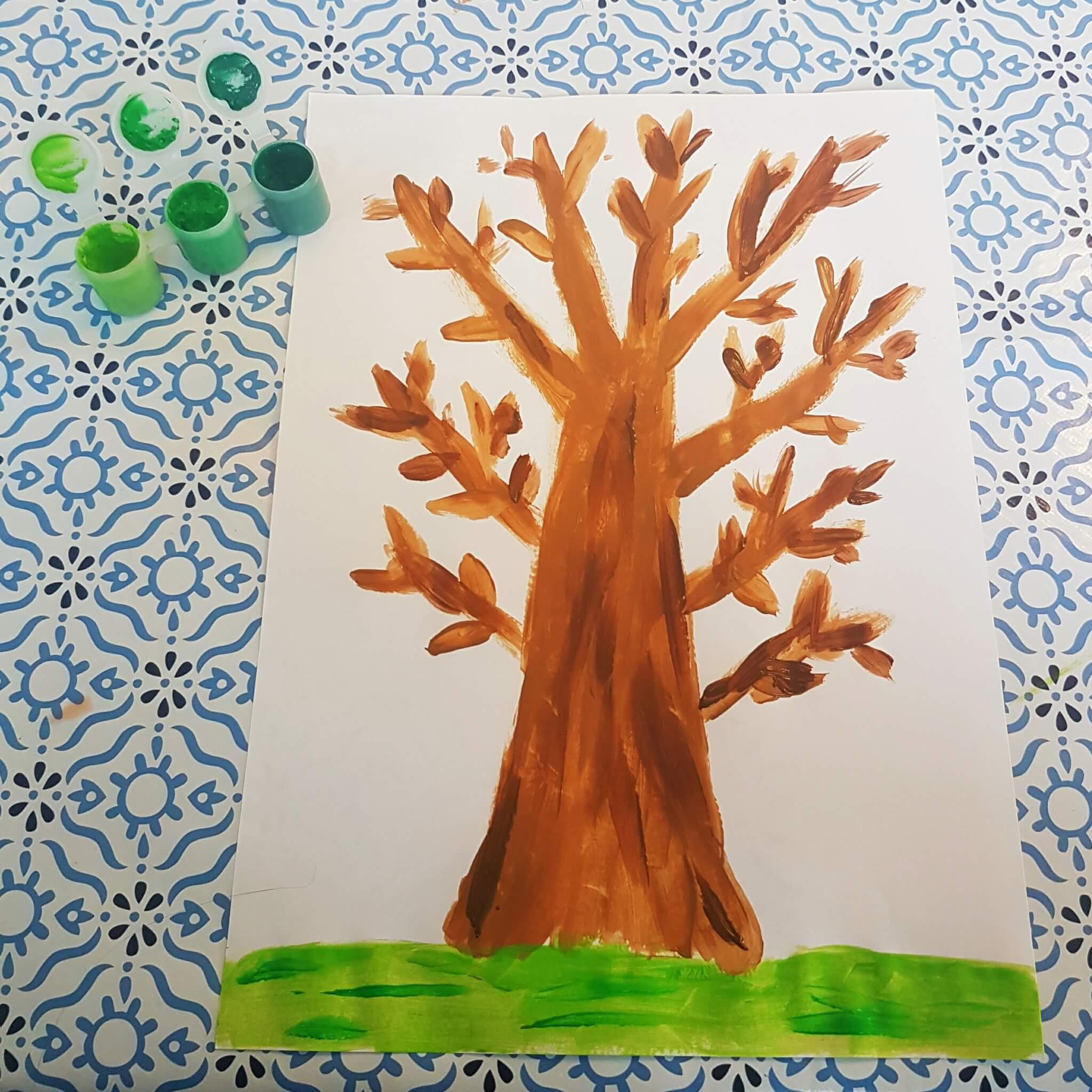Herfst knutsels: samen knutselen als het buiten kouder wordt - herfstboom schilderen