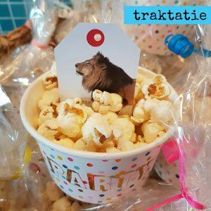 Snelle traktatie voor school: popcorn mét een spelletje