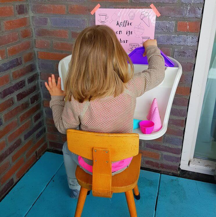 DIY voor tuin of balkon: ijswinkel en koffiebarretje voor de kinderen