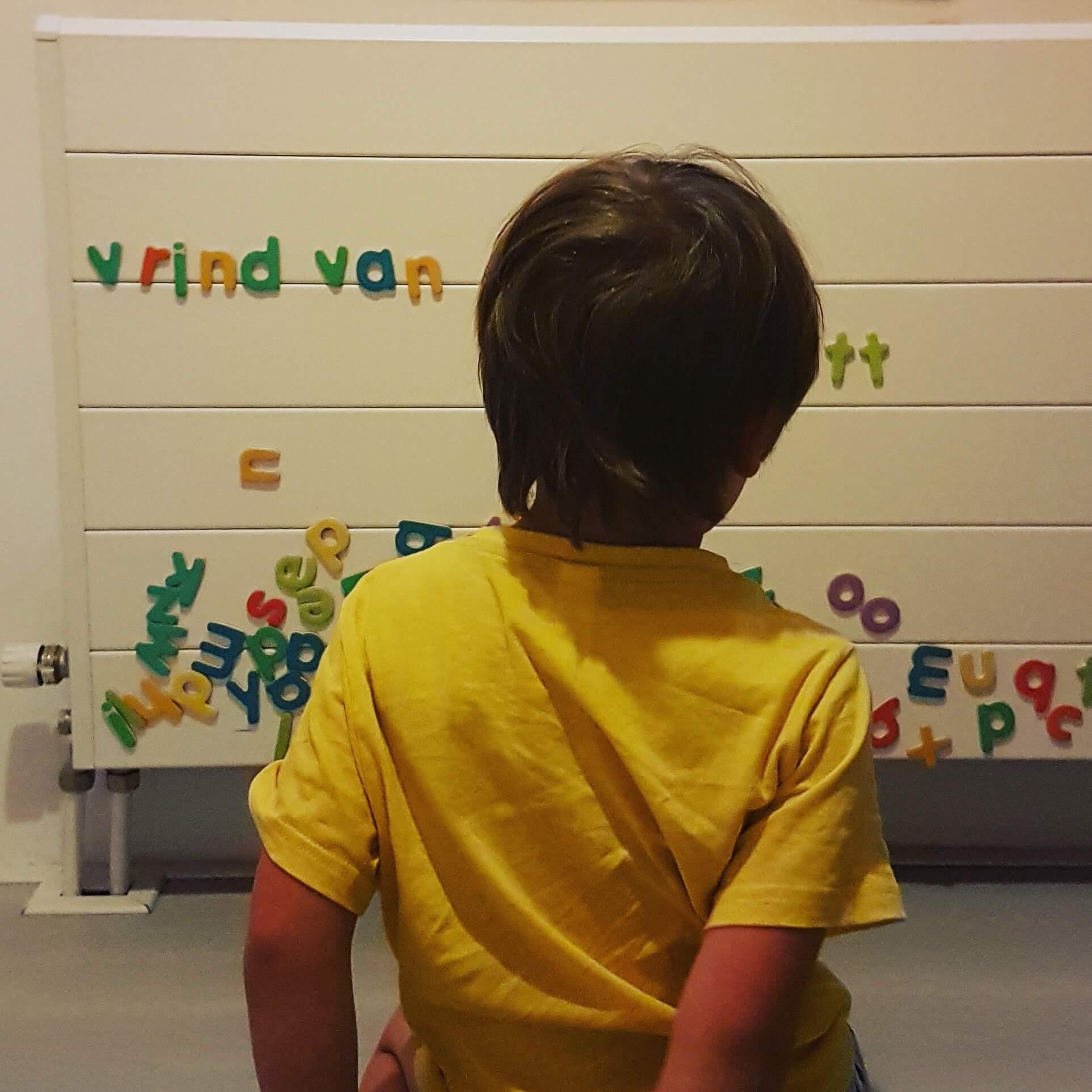 Magnetische letters om te leren lezen