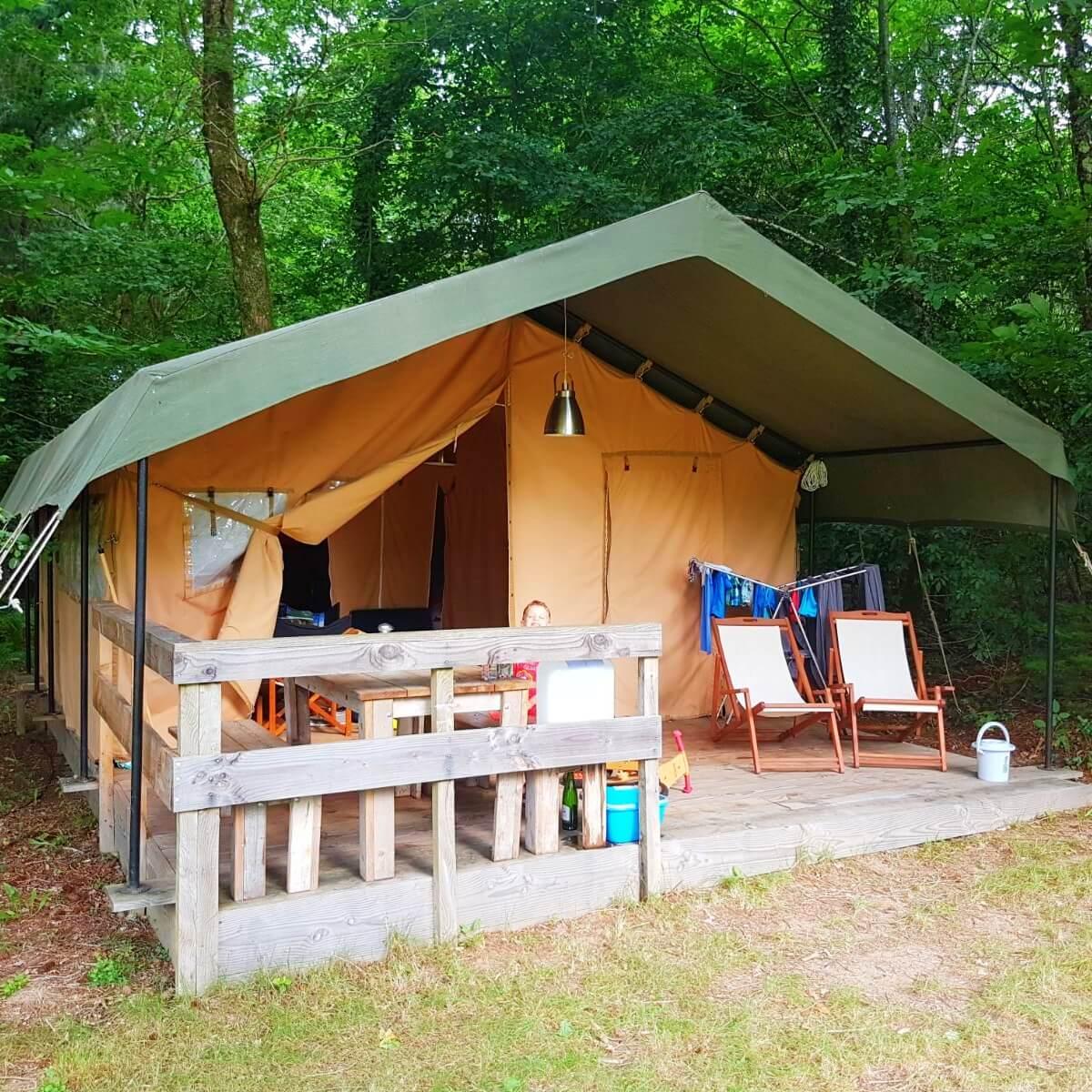 Camping tip: La Nozillière, met zwembad en table d'hotes. Bij Marval, nationaal park Périgord-Limousin. op de grens van de departementen Haute-Vienne en Dordogne