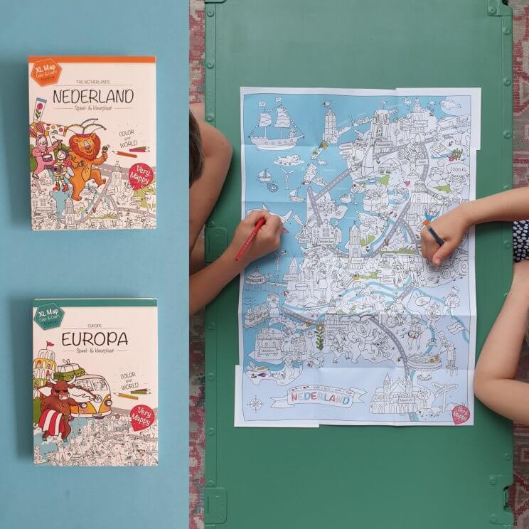 Vakantie cadeautjes voor kinderen – voor onderweg en op vakantie. Very Mappy XL kleurplaat Europa of Nederland Mappy klapper