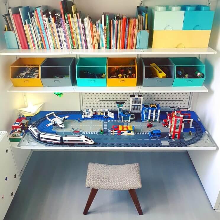 Verjaardagscadeau voor kids van 4, 5, 6, 7 of 8 jaar: leuke cadeau tips voor de kinderen, Sinterklaas cadeau - Lego city trein politie brandweer tafel