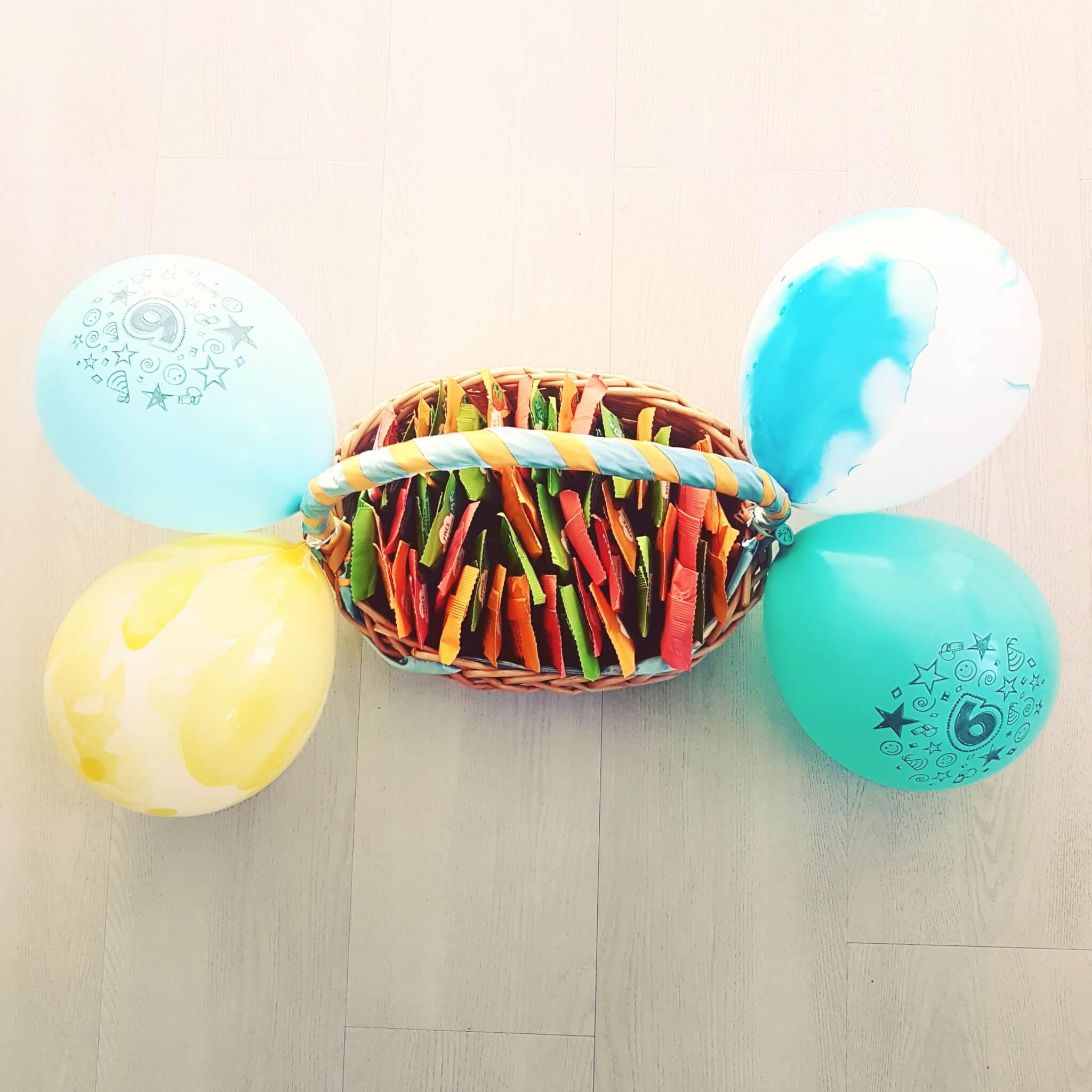 Gezonde traktatie voor school: fruit jojo's - Bear fruit yoyo