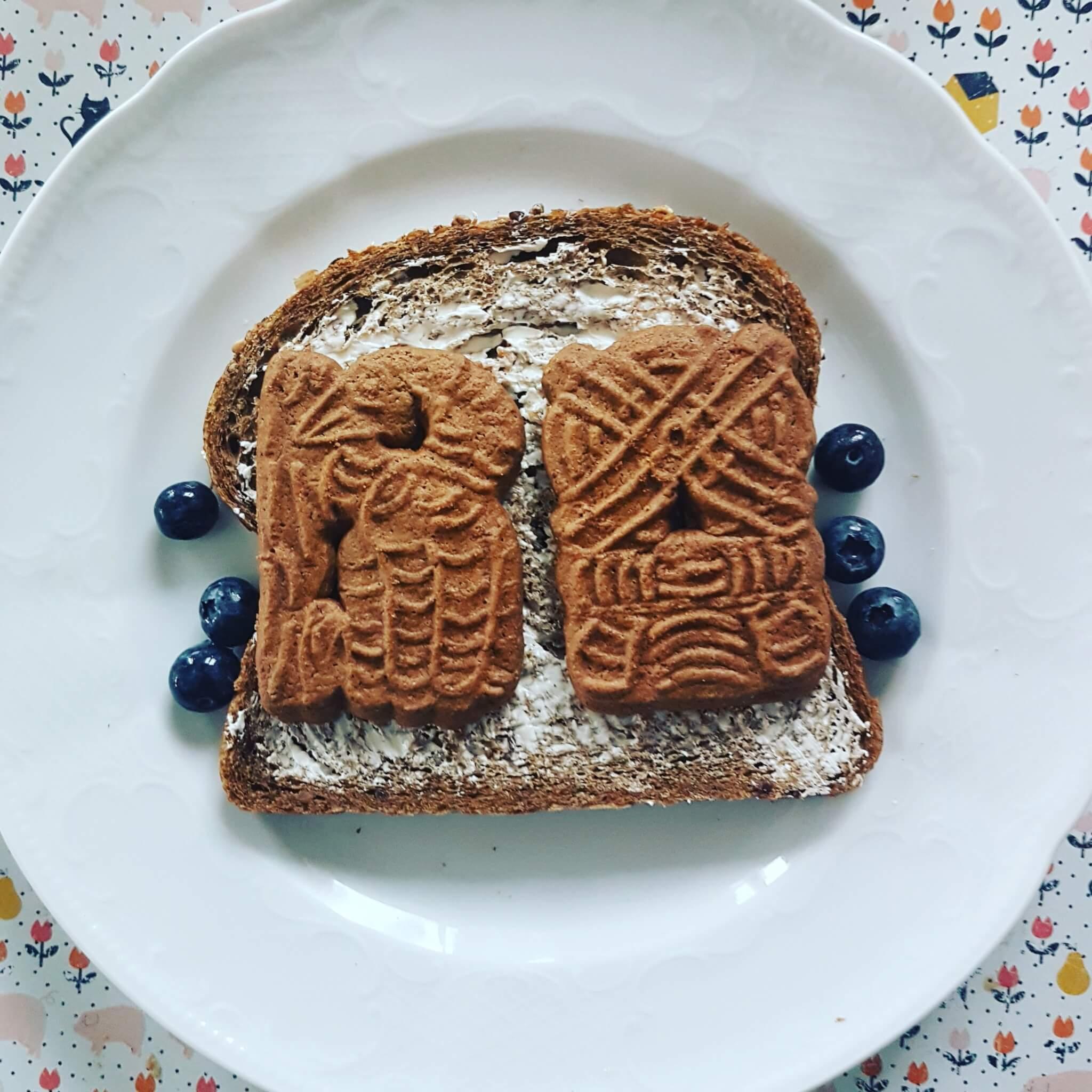 Sinterklaas traditie: speculaas op brood
