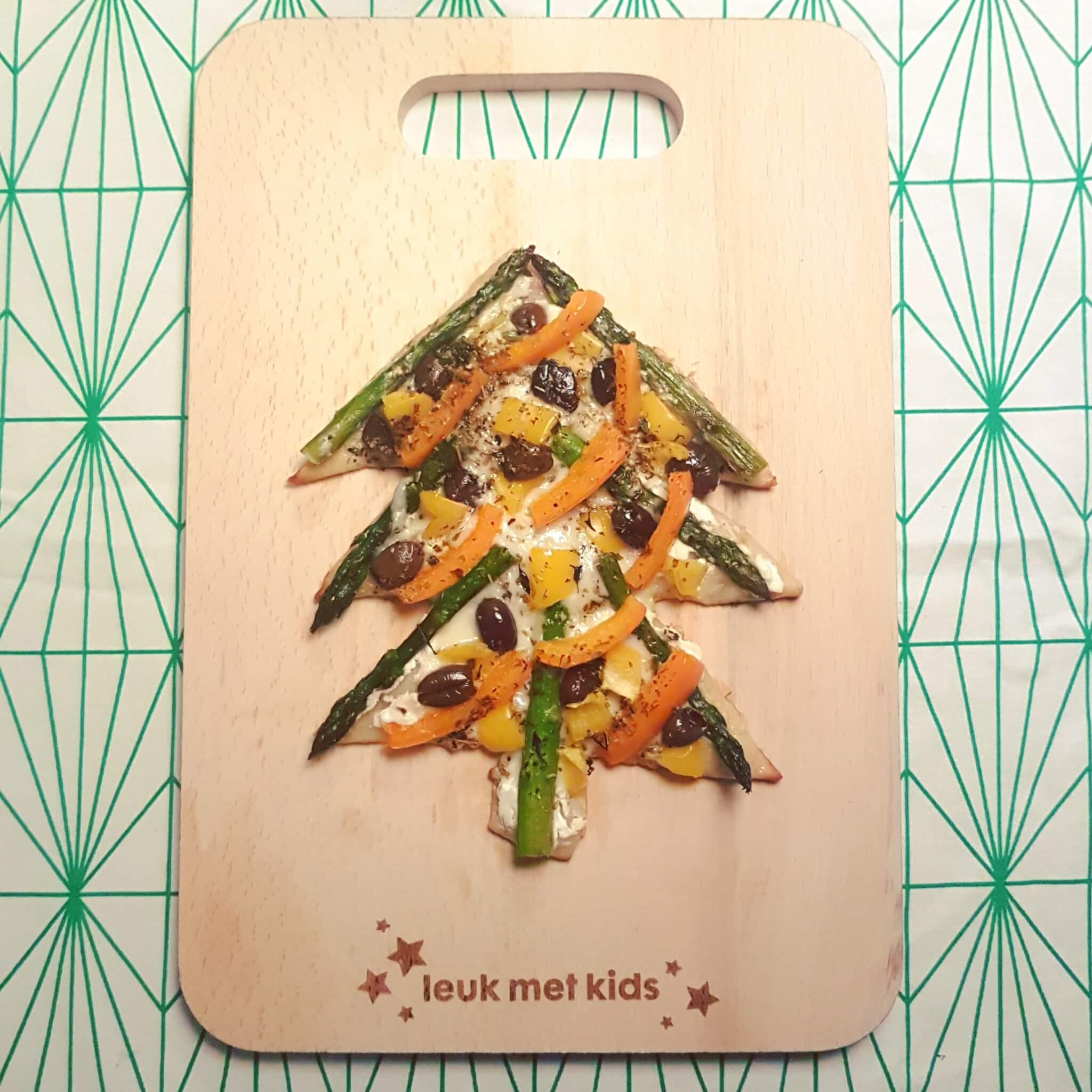 De leukste kindvriendelijke recepten voor kerstdiner en kerstontbijt - op school en thuis - pizza kerstboom