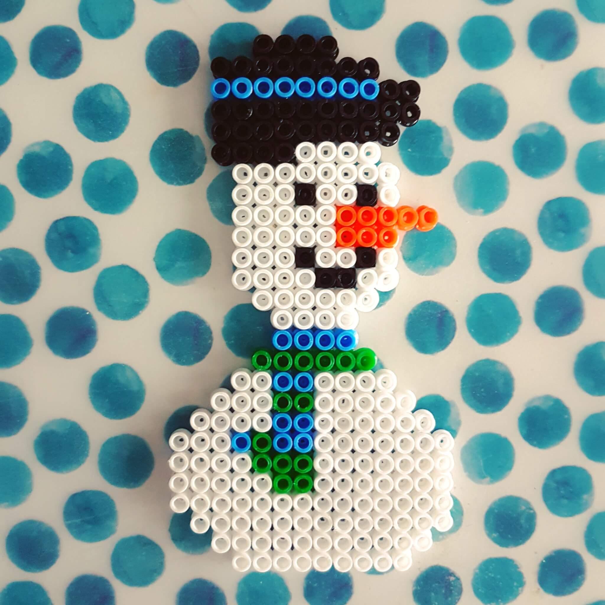 Winter knutsels: met de kinderen knutselen in winter thema - sneeuwpop strijkkralen snowman hamabeads