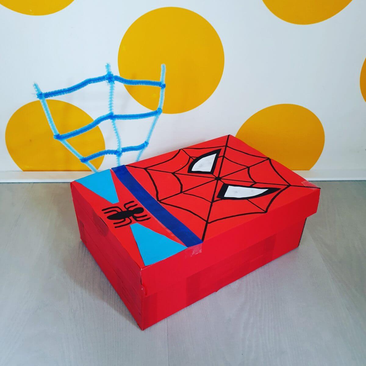Paasdoos knutselen: spiderman superhelden ontbijtdoos