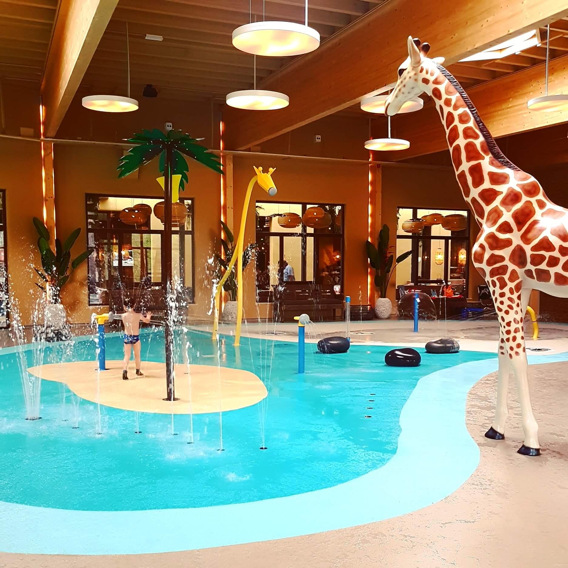 Beekse Bergen Zwembad.Safari Resort Beekse Bergen Zwembad 1 Leuk Met Kids