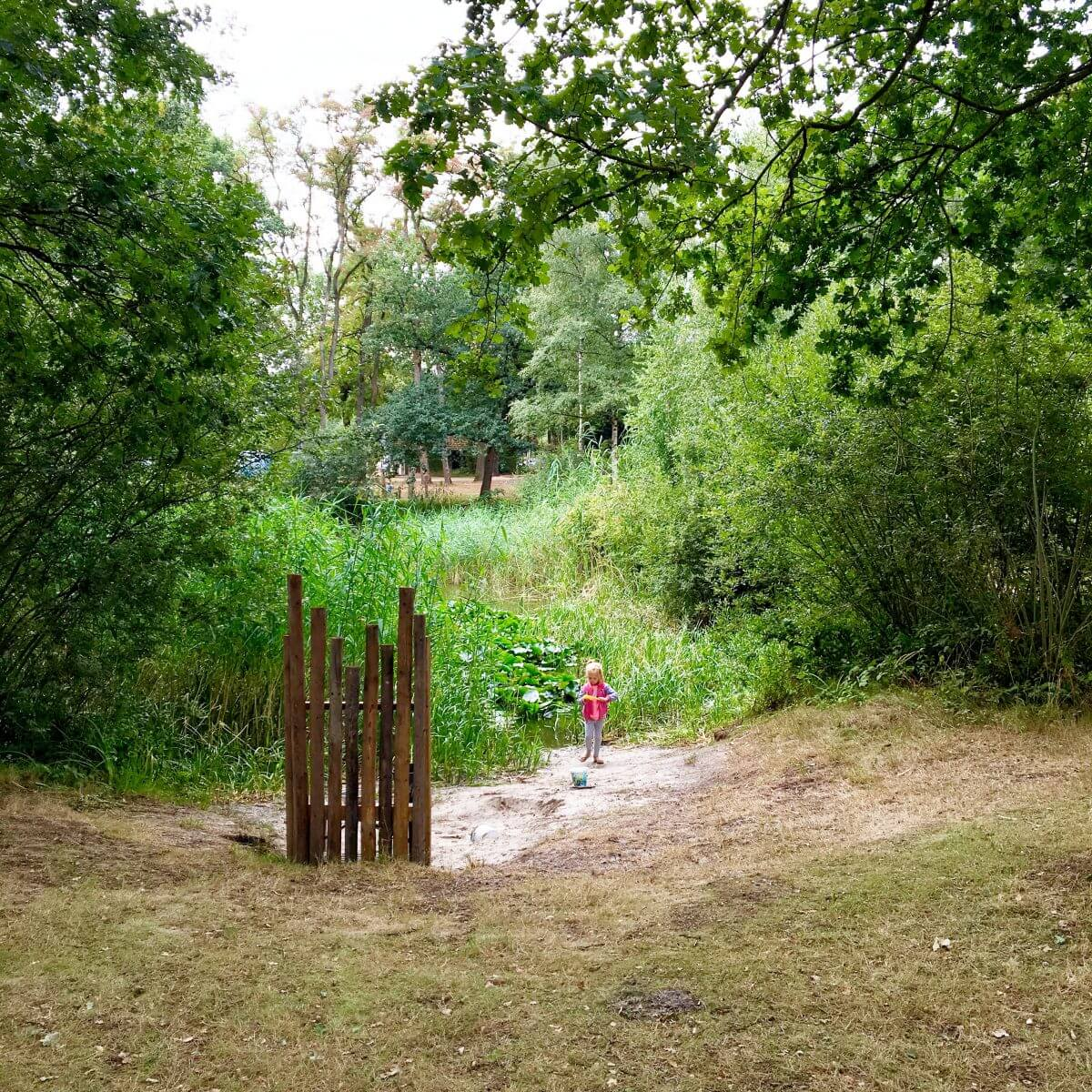 Campingtip: camping Lolotte, tussen Neede en Diepenheim in de Achterhoek in Gelderland, idyllische natuurcamping voor kinderen met zwembad vlakbij Lochem, Zutphen en Enschede #leukmetkids #kamperen