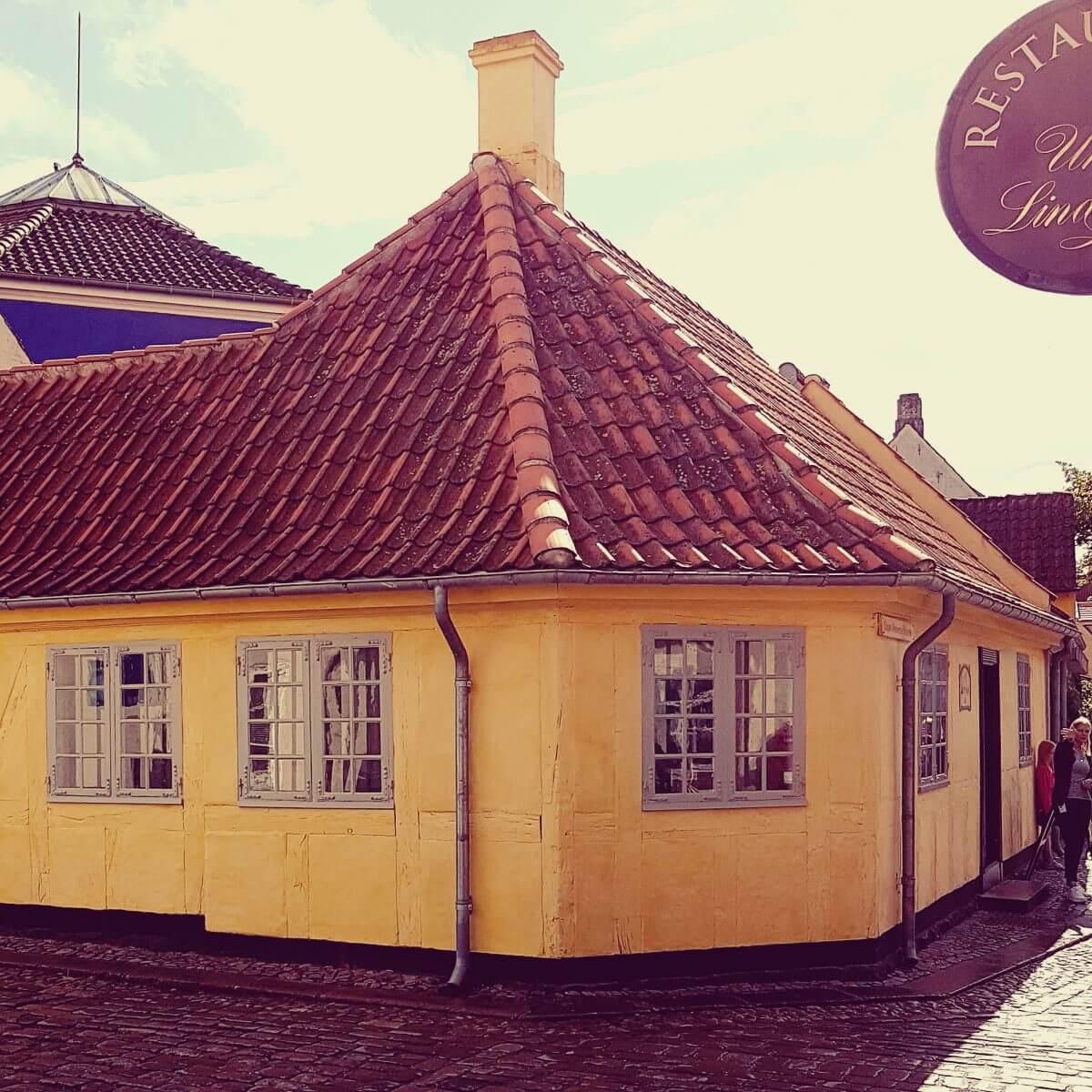 Vakantie met kids: sprookjesachtig Funen in Denemarken - moderne stad Odense met historie van Hans Andersen - H.C. Andersen Hus
