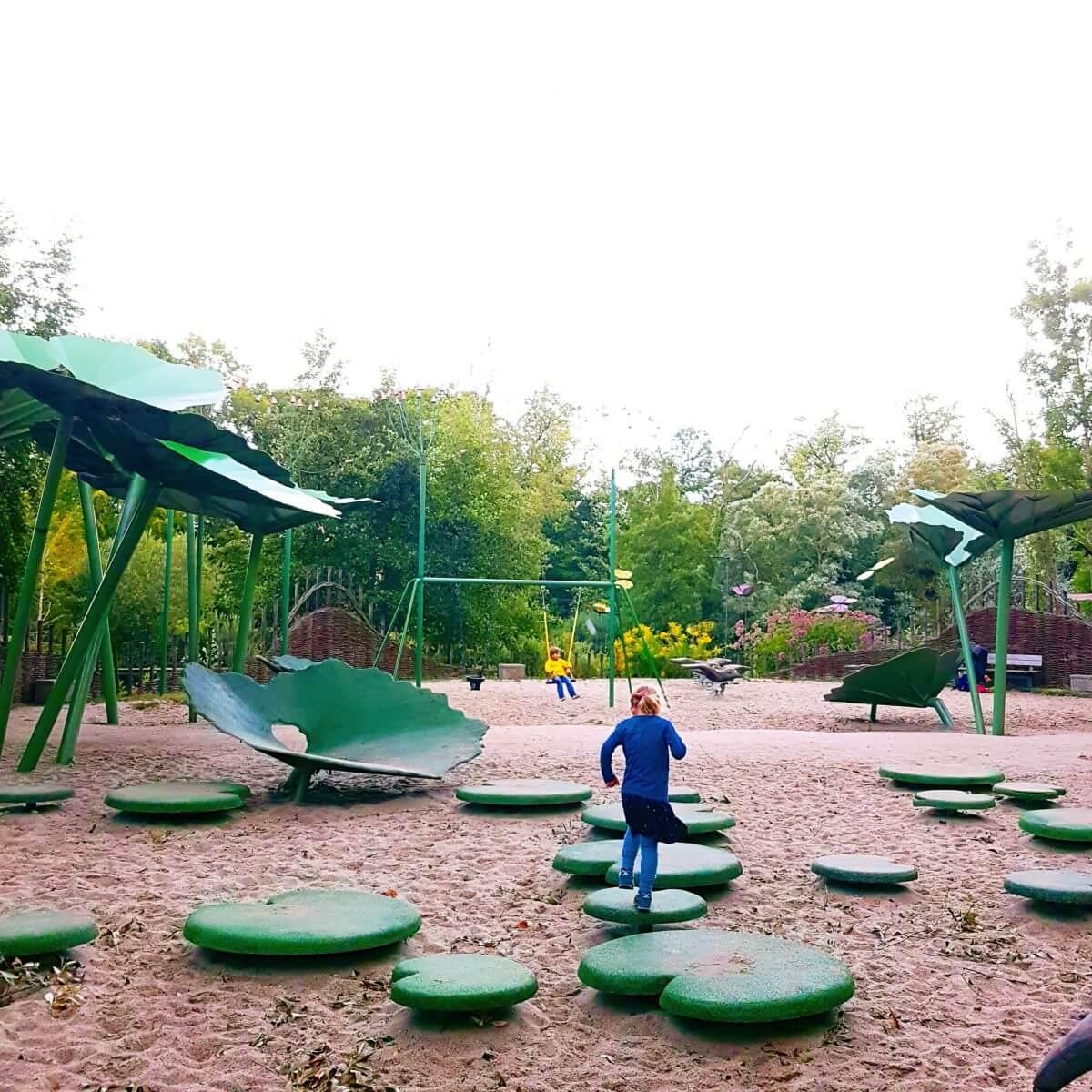 Vakantie met kids: sprookjesachtig Funen in Denemarken - moderne stad Odense met historie van Hans Andersen - Munke Mosen Legeplads
