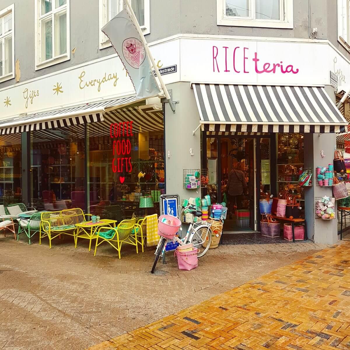 Vakantie met kids: sprookjesachtig Funen in Denemarken - moderne stad Odense met historie van Hans Andersen - RICEteria
