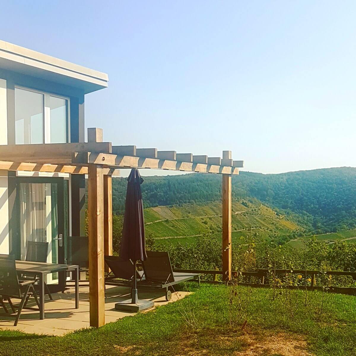 Landal Mont Royal: spelen, zwemmen, wijnproeven en een panoramisch uitzicht - nieuwe energieneutrale bungalows, uitzicht over de moezel