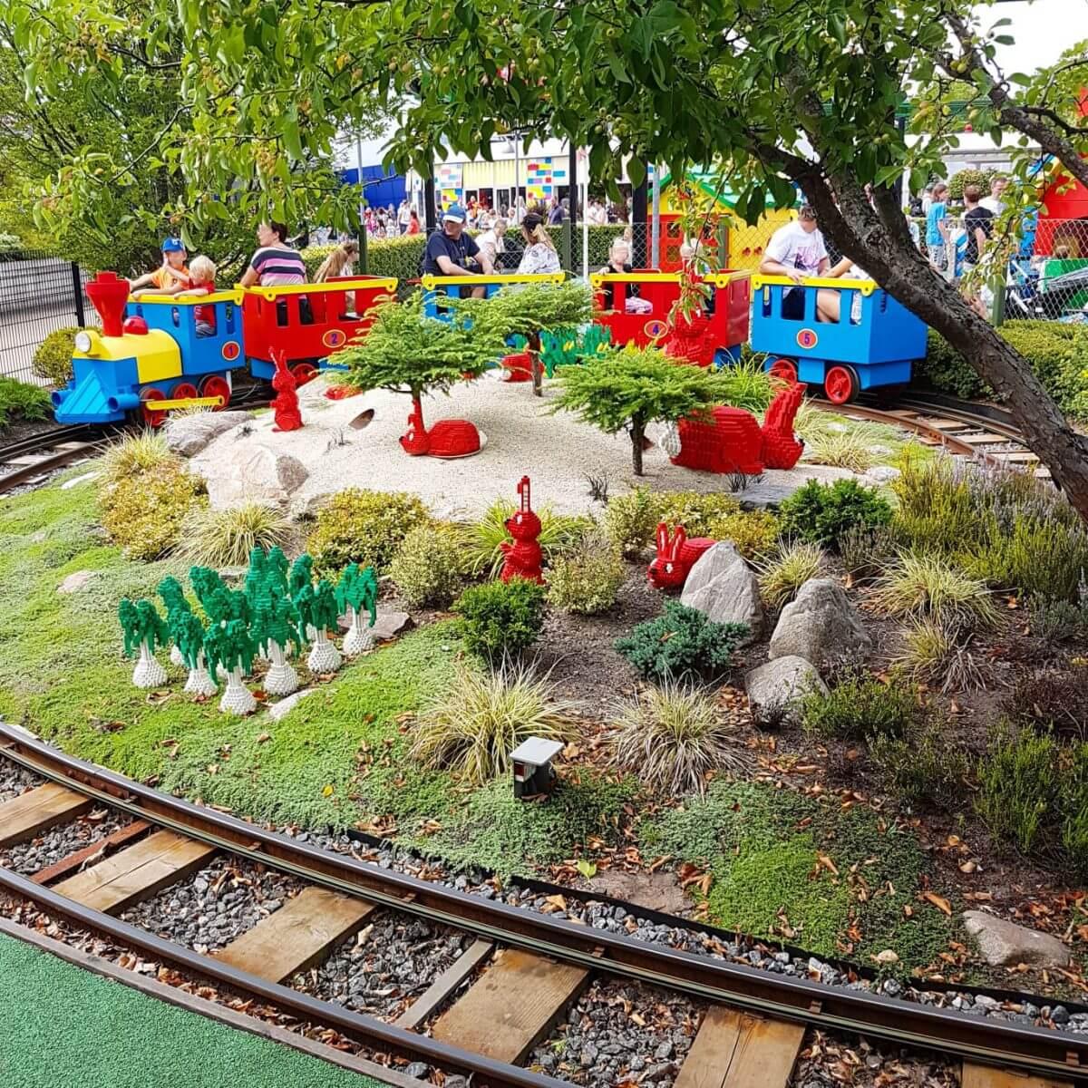 Legoland met kinderen: alles wat je wil weten, DUPLO Land DUPLO Express trein #leukmetkids #legoland #Denemarken #kinderen