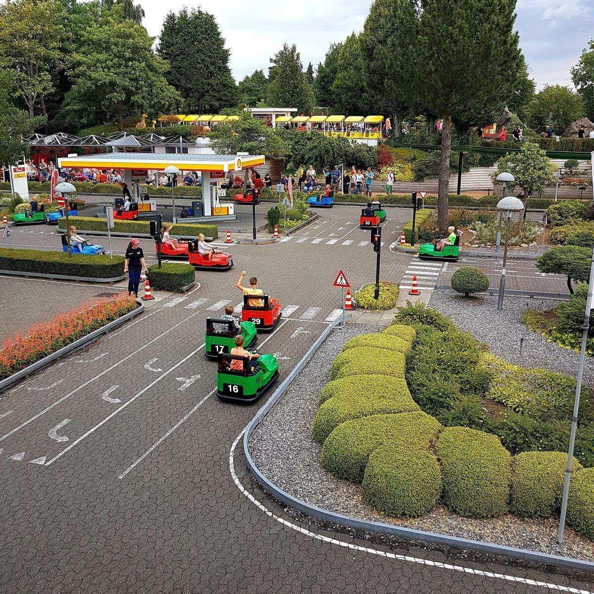 Legoland met kinderen: alles wat je wil weten, Miniland SEAT Traffic School #leukmetkids #legoland #Denemarken #kinderen