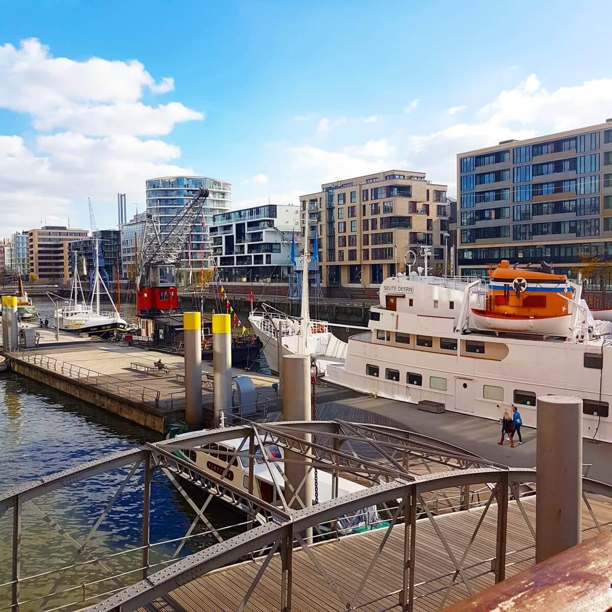 Hamburg met kids Hafencity met kranen