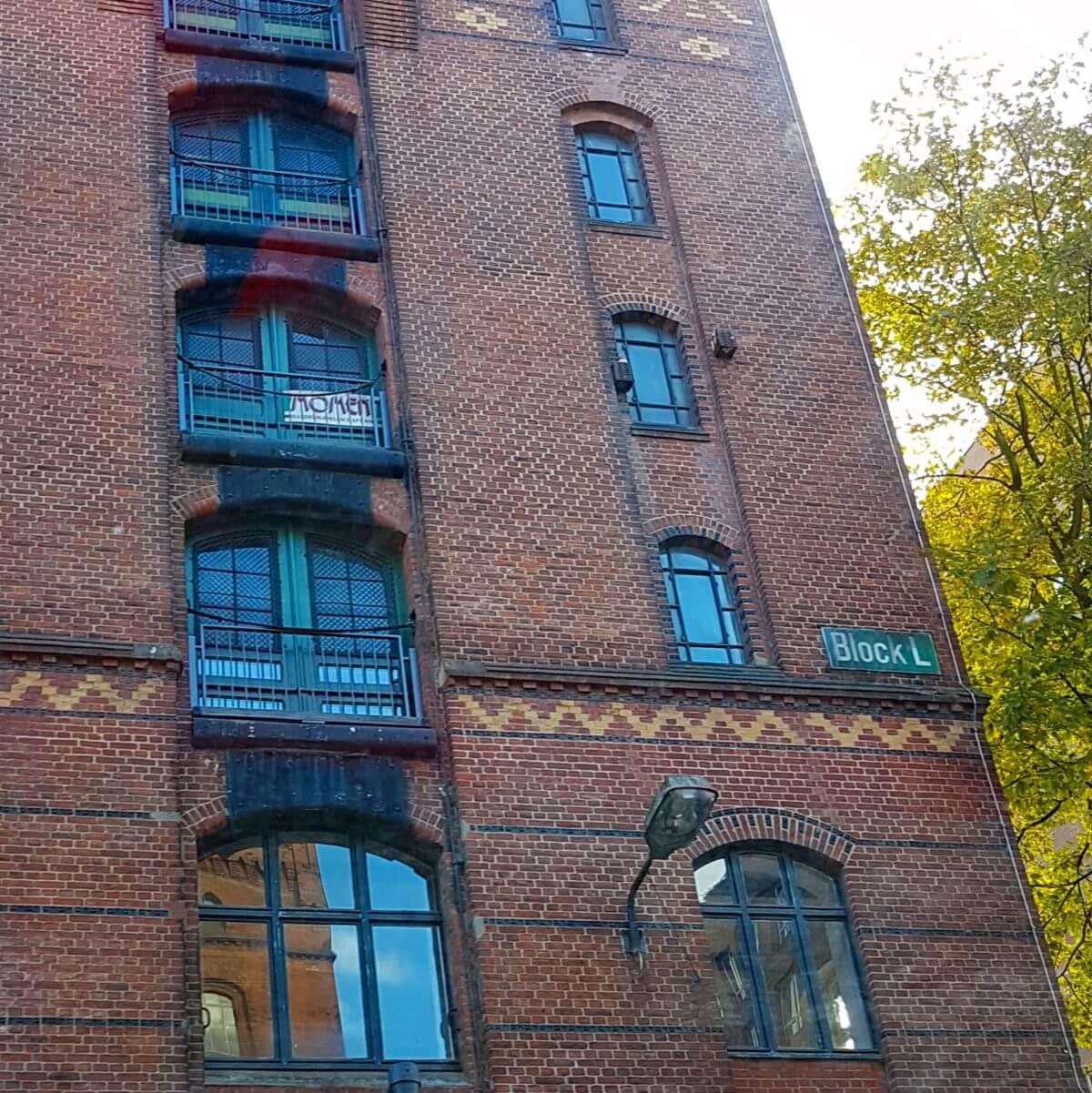 Hamburg met kids Speicherstadt blokken met letters