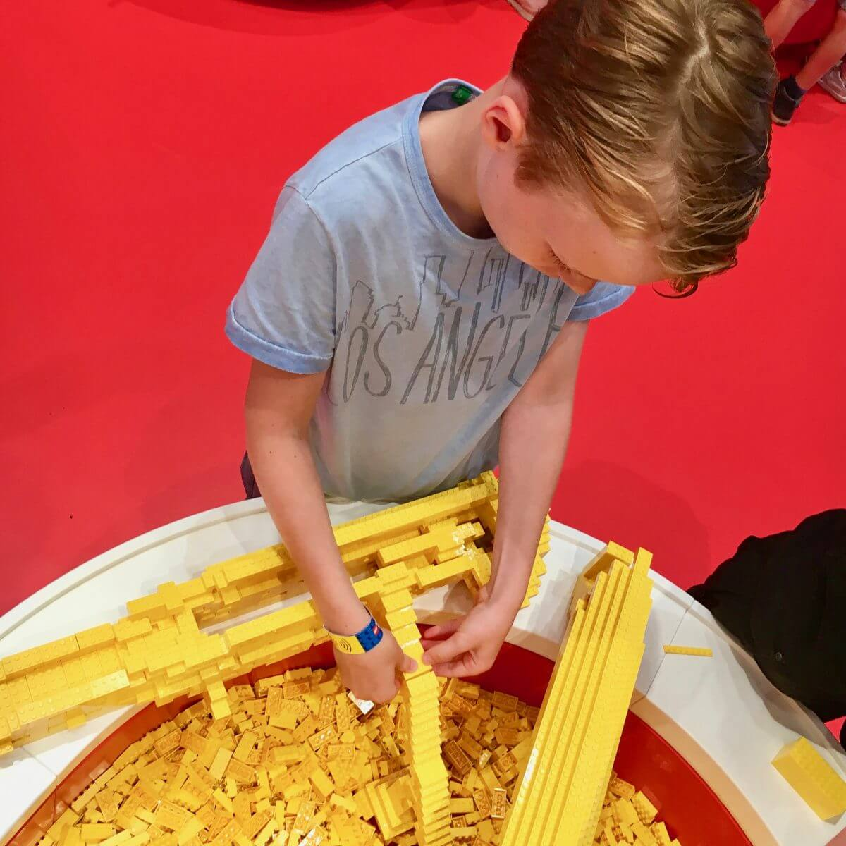 Bouwen in één kleur, zo gaaf! in LEGO House vlakbij Legoland Billund