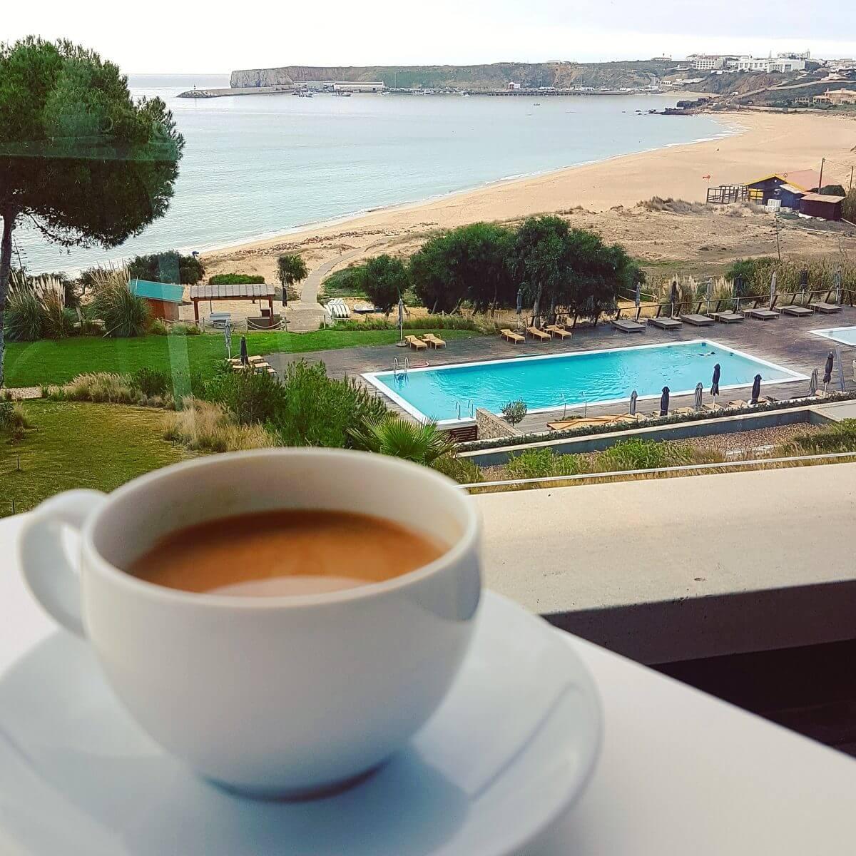 De leukste kindvriendelijke restaurants in de Algarve Sagres - Childfriendly restaurants Algarve with kids - Martinhal O Terraco strand en zwembad
