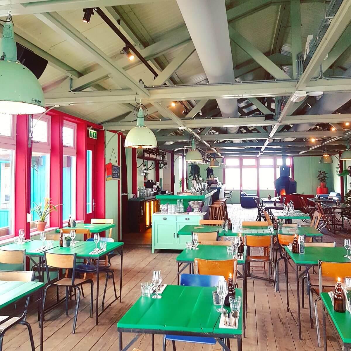 Veel groen bij restaurant Haas & Popi op Lolaland (Blijburg)