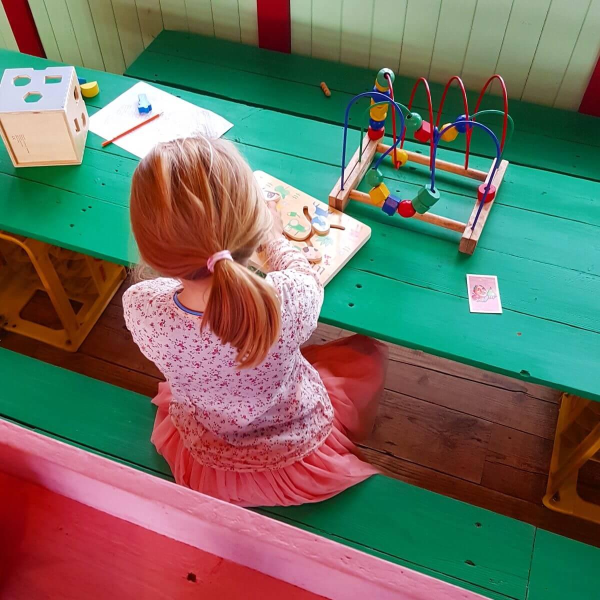 speelhoek bij restaurant Haas & Popi op Lolaland (Blijburg)