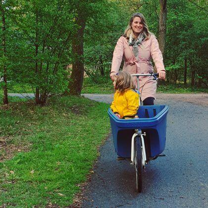 Met een bakfiets al fietsend met de kinderen de natuur ontdekken op Landal Rabbit Hill