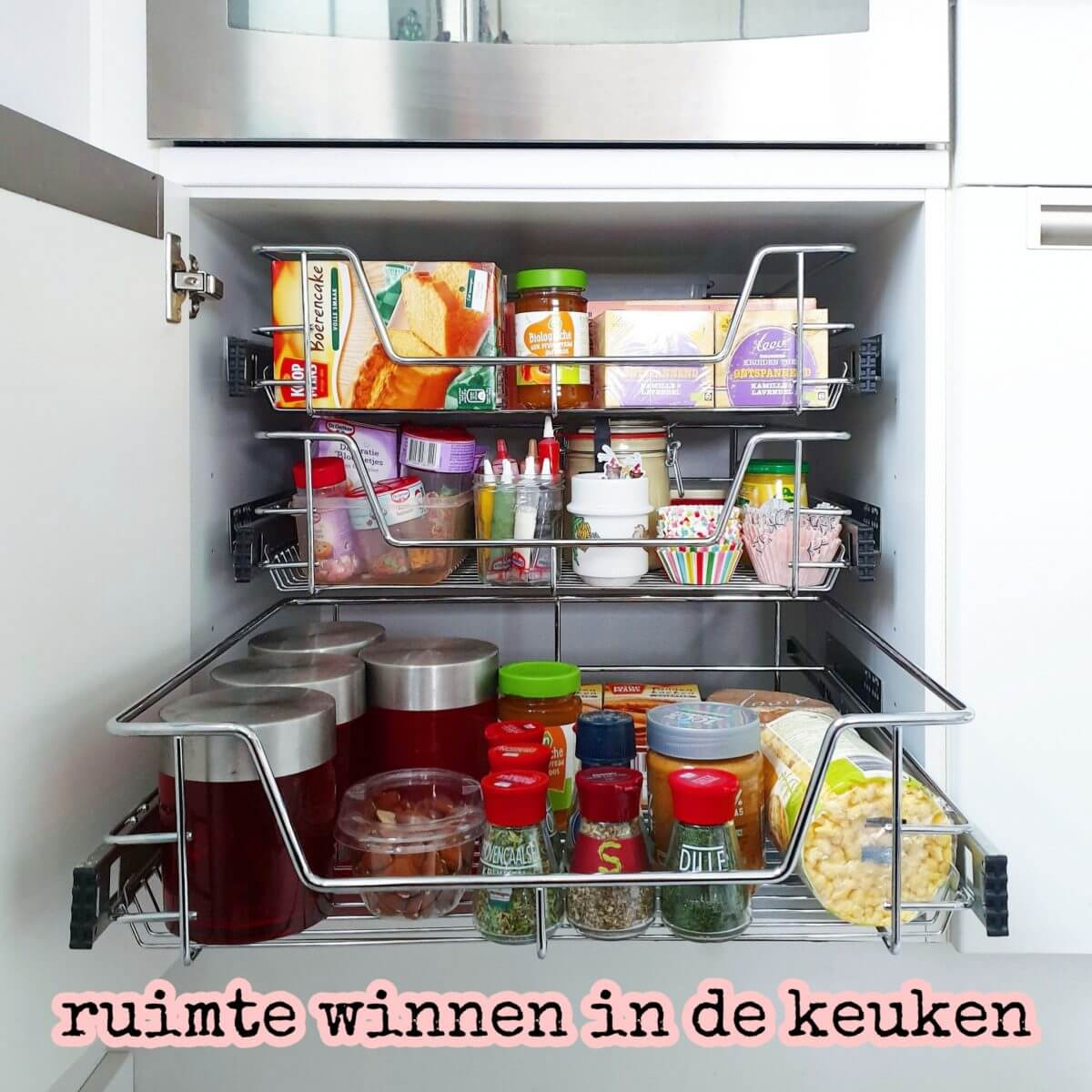 Ruimte winnen in de keuken: schuiflades voor in je keukenkast