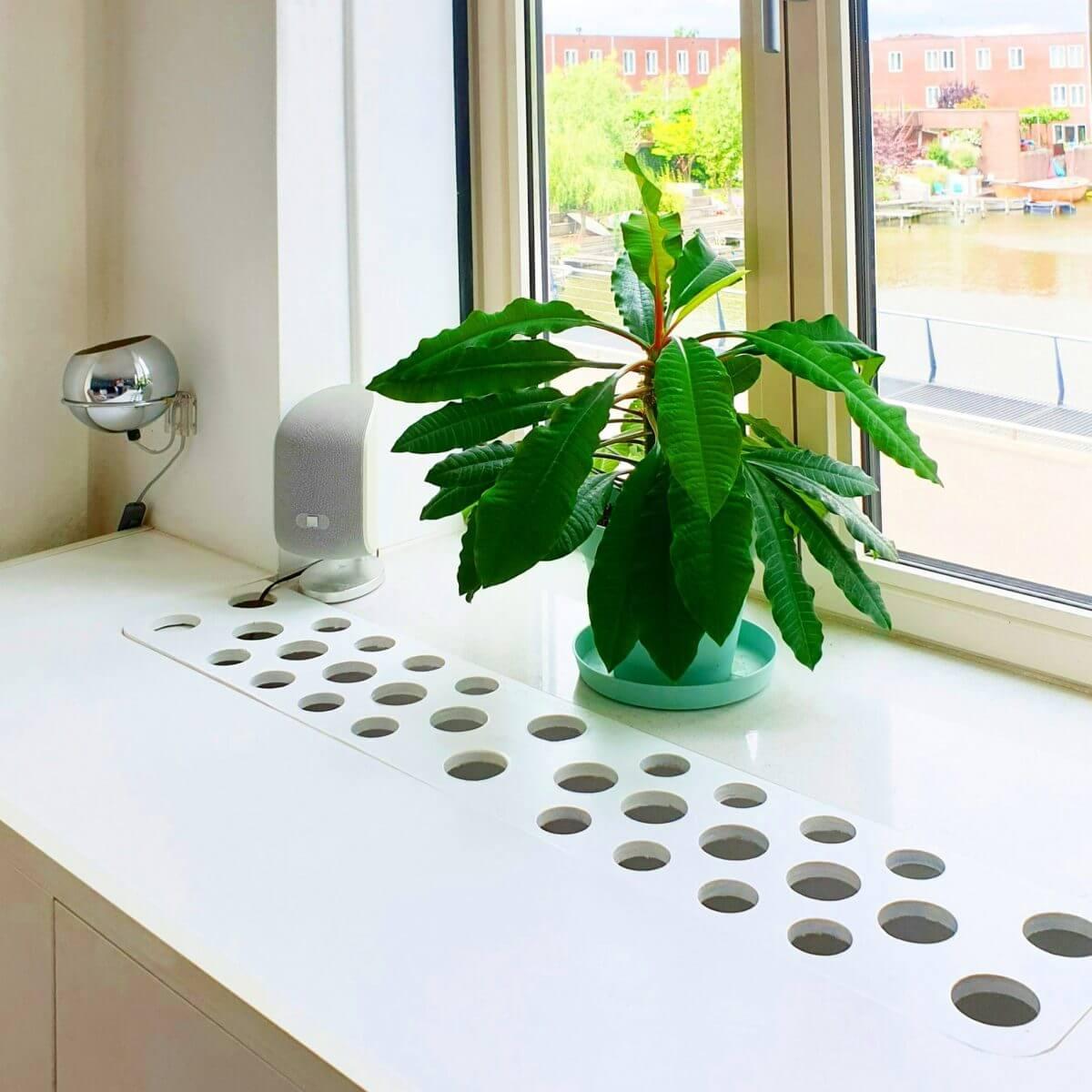 Ikea Hack: Eket verwarmingsombouw en dressoir. Eket heating conversion and sideboard dresser cupboard met luchtgaten