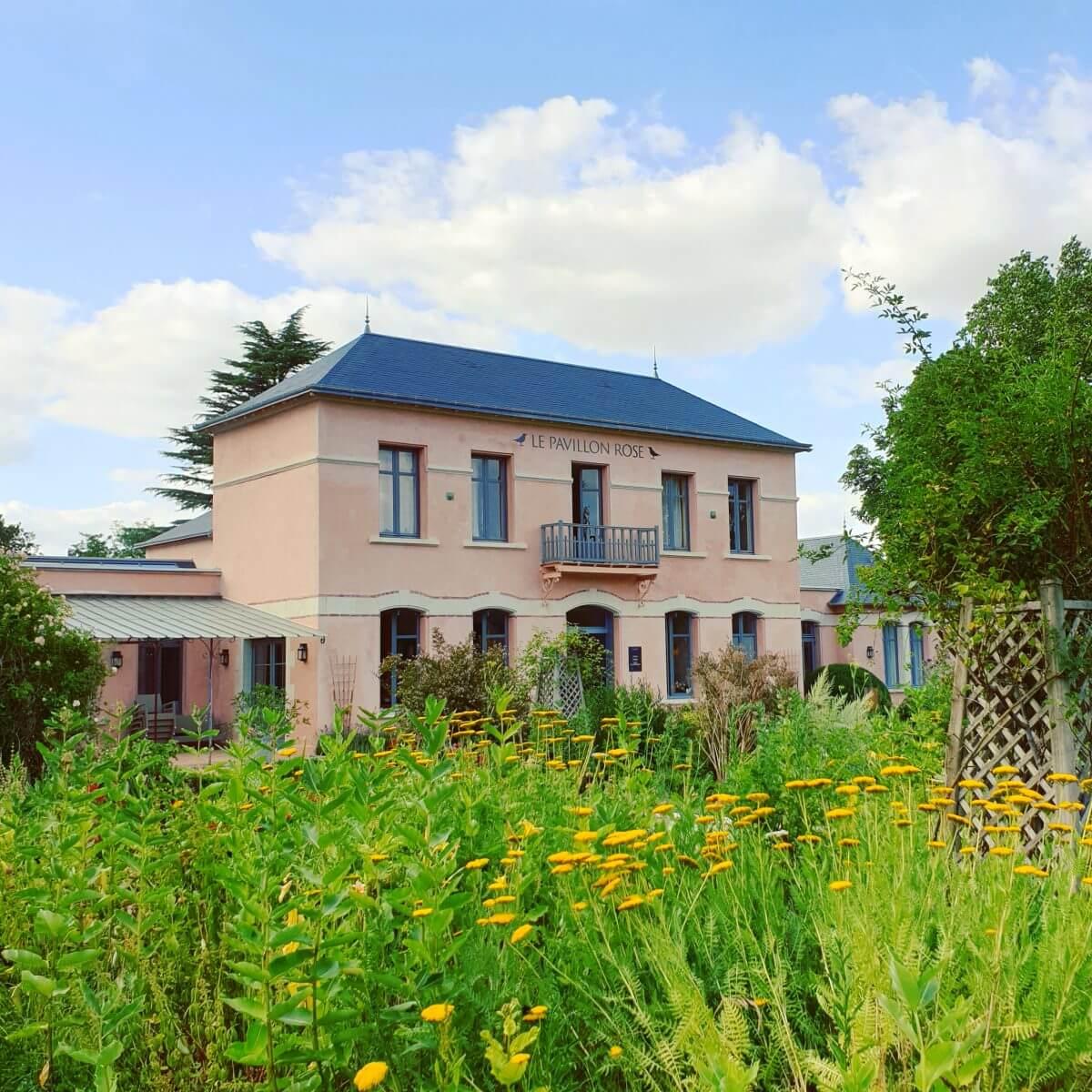 Le Pavillon Rose in La Roche-Posay op de grens van de Vienne en Indre-et-Loire