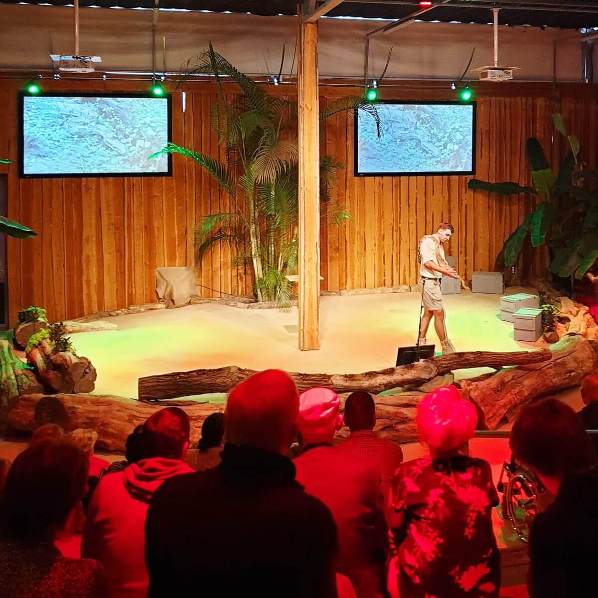 Jungle theater van de Orchideeënhoeve