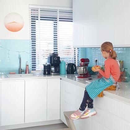 Kinderen thuis vermaken tijdens Corona: 101 tips binnen en rondom huis