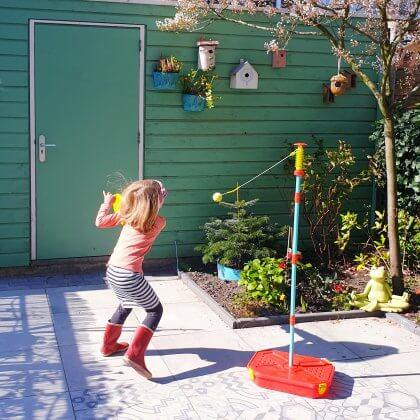 Buitenspelen in je eigen tuin: met deze tips kun je kinderen stimuleren