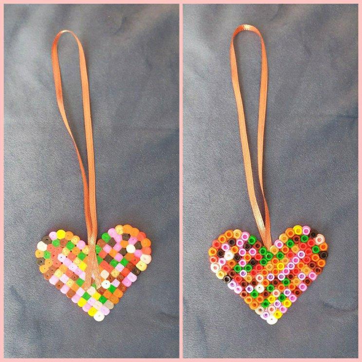 Strijkkralen hanger hartje verjaardag of Valentijnsdag