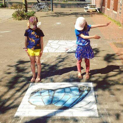 Mooie acties om elkaar te helpen   stoepkrijttekeningen om elkaar vrolijk te maken