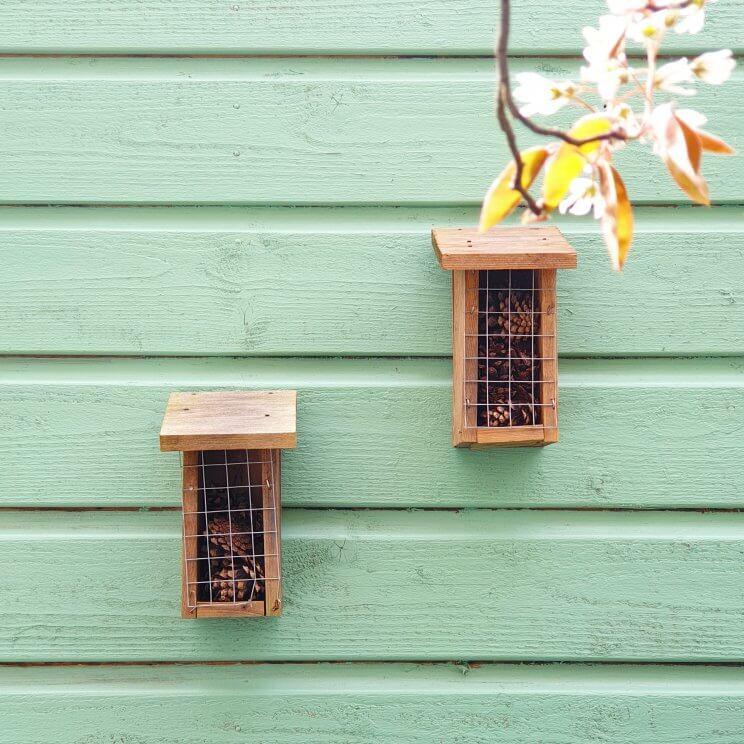 Buitenspelen in je eigen tuin: met deze tips kun je kinderen stimuleren - vogelhuisje of insectenhotel zelf knutselen