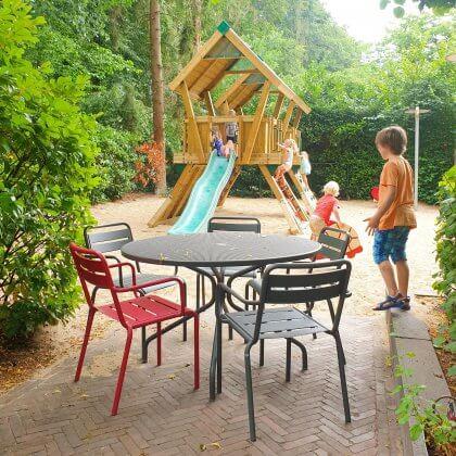 Kindvriendelijke restaurants en hotels: met speeltuin en ander leuks. Pannekoekhuis Schaarsbergen in Arnhem